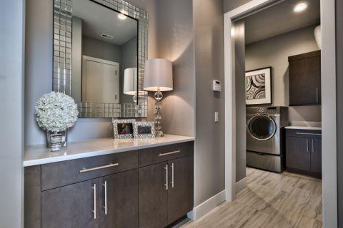 卫生间灯具现代风格装潢设计图片