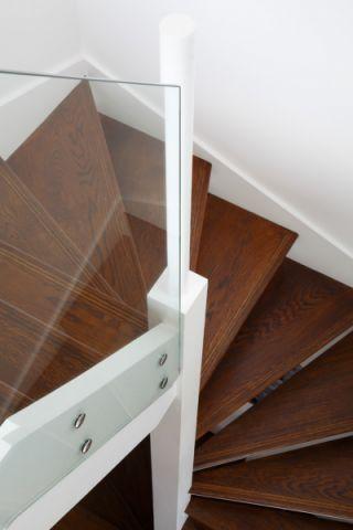 玄关楼梯现代风格装饰效果图