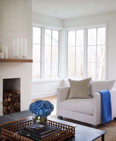 客厅窗台现代风格装修设计图片