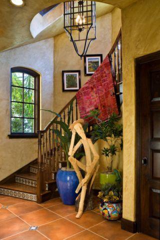 玄关楼梯地中海风格装修图片