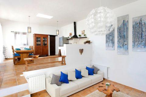 客厅地砖地中海风格装潢图片