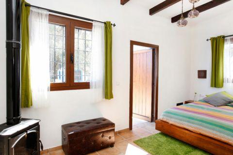 卧室窗帘地中海风格装潢效果图