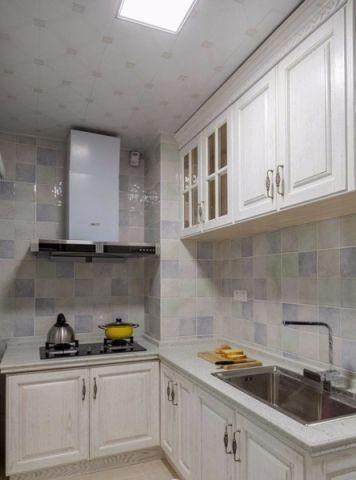 厨房米色橱柜简欧风格装饰图片