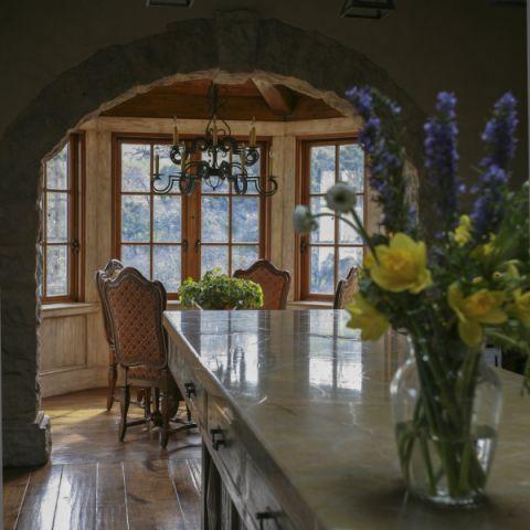 餐厅窗台地中海风格装饰设计图片