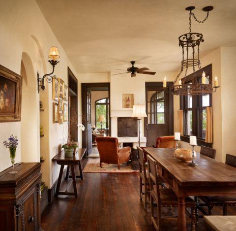 餐厅餐桌地中海风格装潢图片