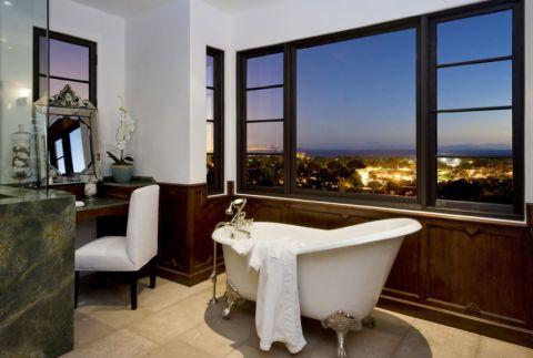 浴室浴缸地中海风格装修设计图片