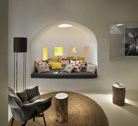 客厅榻榻米地中海风格装潢图片
