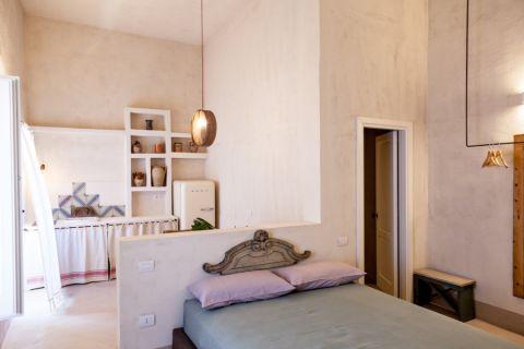 卧室隔断地中海风格装潢设计图片