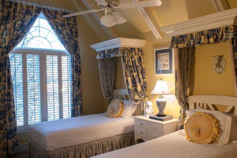 卧室背景墙美式风格装潢效果图