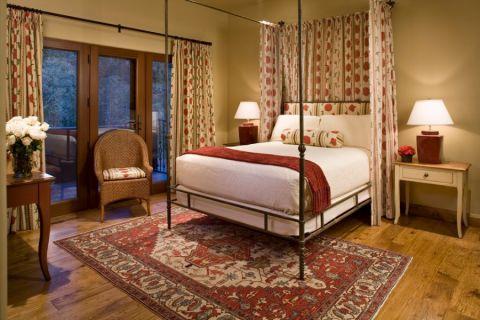 卧室床地中海风格装修效果图