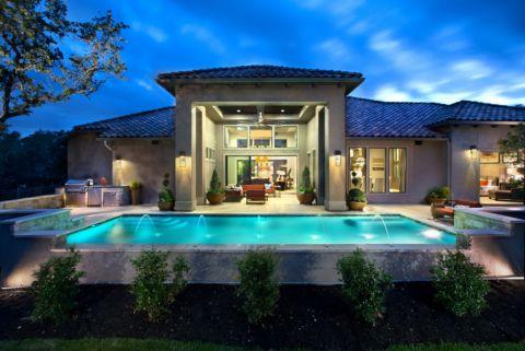 花园泳池现代风格装饰图片
