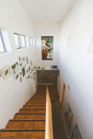 客厅楼梯混搭风格装潢设计图片