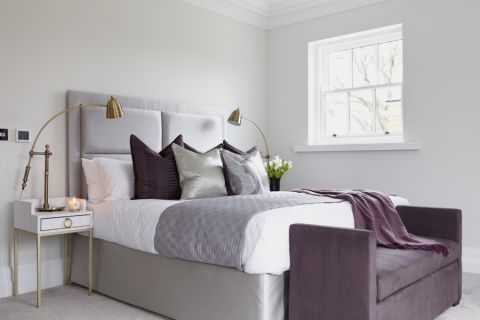 卧室床头柜现代风格装潢设计图片