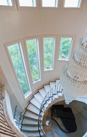 客厅楼梯地中海风格装修效果图