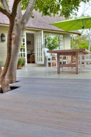 花园地板砖现代风格装饰效果图