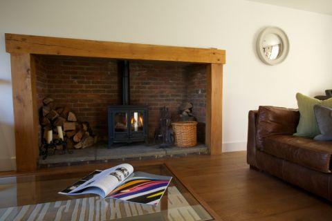 客厅地板砖现代风格装潢效果图