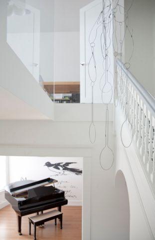 客厅地板砖现代风格装饰效果图