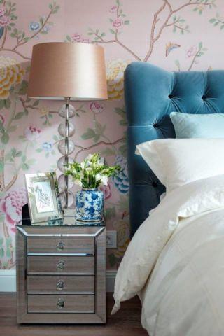 卧室彩色背景墙美式风格效果图