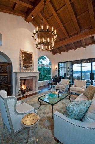 客厅吊顶地中海风格装潢设计图片