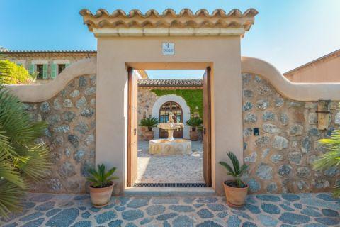 外景外墙地中海风格装潢效果图