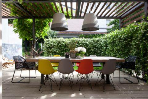阳台餐桌现代风格装修效果图