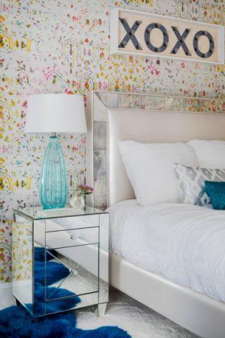 卧室床头柜混搭风格装饰设计图片