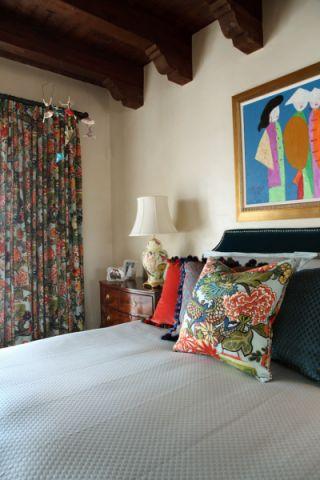 卧室窗帘地中海风格装饰效果图