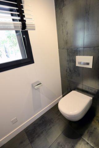 卫生间窗帘现代风格装修设计图片