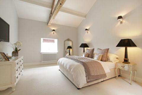 现代风格四居室152平米装修图片