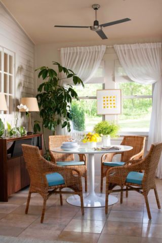 餐厅白色餐桌混搭风格装饰图片