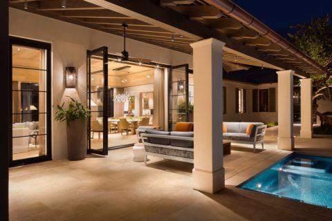 阳台咖啡色地砖现代风格装潢图片
