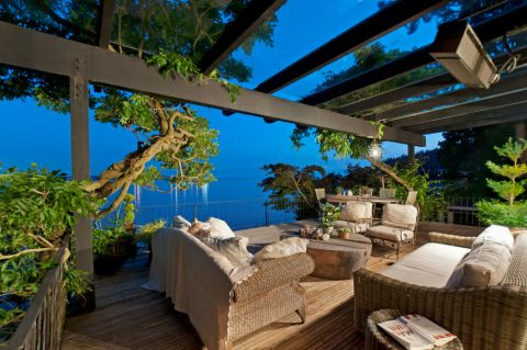 花园茶几现代风格装饰图片