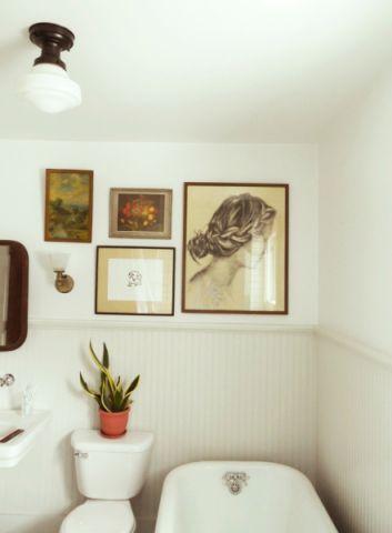 浴室白色照片墙美式风格装潢图片