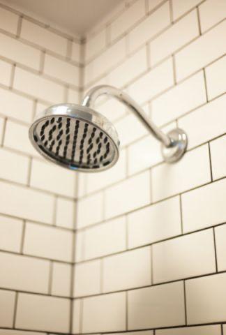 浴室白色背景墙美式风格装饰设计图片
