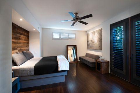 卧室咖啡色地板砖现代风格装修效果图