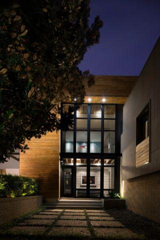 玄关橙色地砖现代风格装潢图片