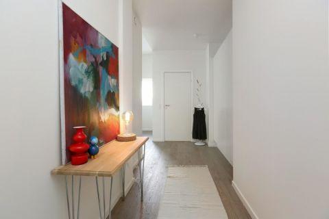 玄关咖啡色走廊北欧风格装潢效果图