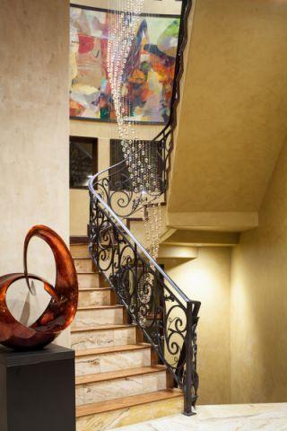 玄关楼梯地中海风格装潢设计图片