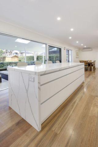 厨房地板砖现代风格装潢图片