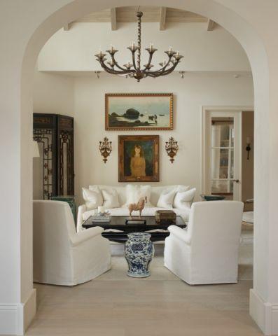 客厅白色吊顶地中海风格装饰图片