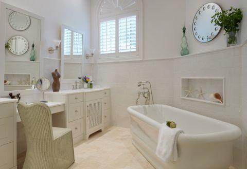 浴室白色浴缸地中海风格装潢设计图片
