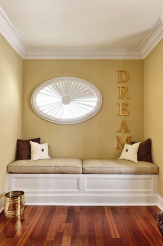 卧室黄色背景墙美式风格装修图片