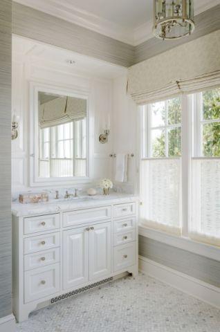 浴室白色洗漱台美式风格装饰图片