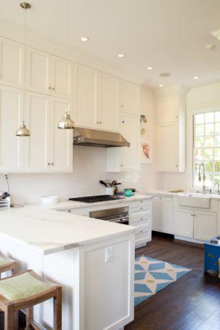 厨房白色吧台美式风格装修效果图