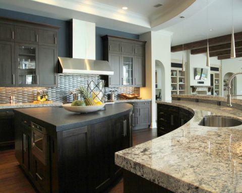 厨房咖啡色吧台美式风格装饰设计图片