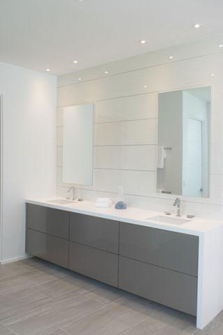 浴室白色吊顶现代风格装修效果图