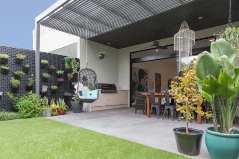 花园白色细节现代风格装潢图片