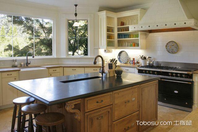 厨房咖啡色吧台简欧风格装修图片