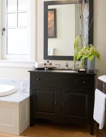 卫生间白色背景墙简欧风格装潢图片