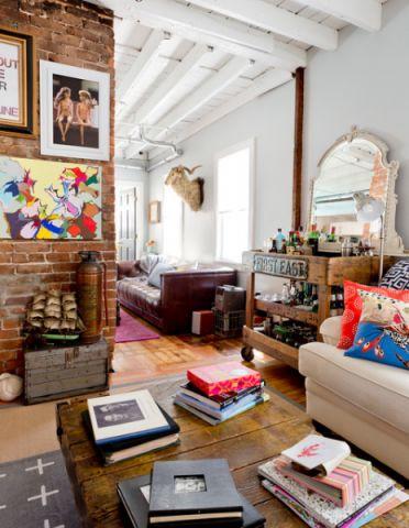 客厅咖啡色照片墙混搭风格装饰设计图片
